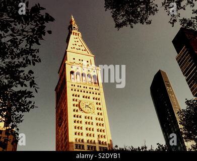 La torre di MetLife in One Madison Avenue si trova su East 23rd San di fronte al Madison Square Park, New York, Stati Uniti d'America Foto Stock