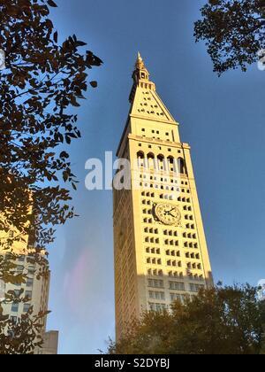 Il Met Life torre presso One Madison Ave., frontiere Madison Square Park al ventitreesimo St., New York, Stati Uniti d'America Foto Stock