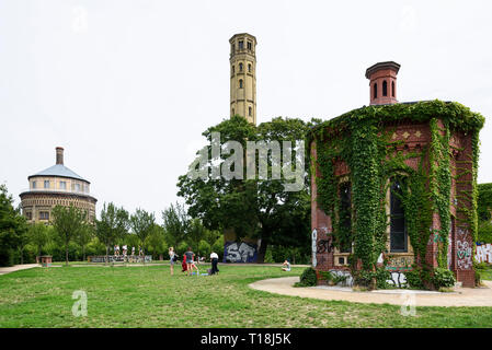 Berlino. Germania. Park am Wasserturm, Prenzlauer Berg. Foto Stock