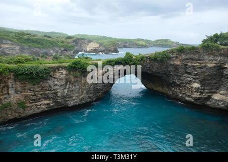 Rotto, Spiaggia di Nusa Penida, Indonesia Foto Stock
