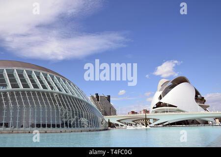 Hemisferic & Palau de les Arts, Città delle Arti e delle Scienze di Valencia, Spagna Aprile 2019 Foto Stock