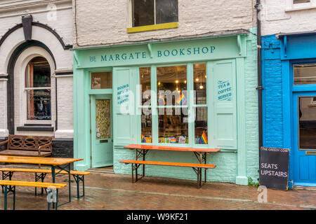 Il Margate Bookshop in Margate Old Town. Foto Stock