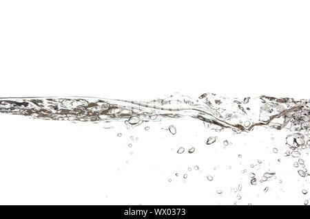 Acqua fresca con bolle su sfondo bianco Foto Stock