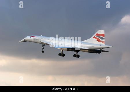Concorde Ultimo volo commerciale che arrivano all'aeroporto di Londra Heathrow Foto Stock