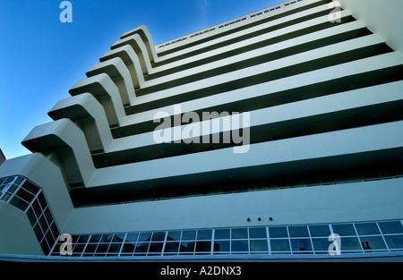 Il recentemente ristrutturato in stile Art Deco edificio appartamento Embassy Corte Brighton Foto Stock