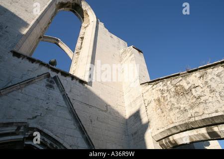 Una chiesa abbandonata a Lisbona, Portogallo Foto Stock