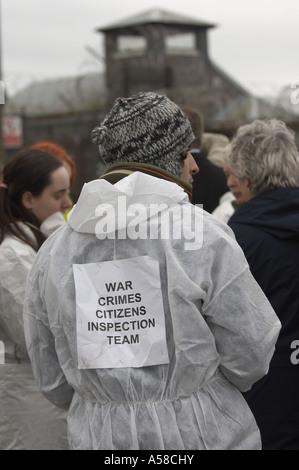 I manifestanti a Faslane base navale Foto Stock