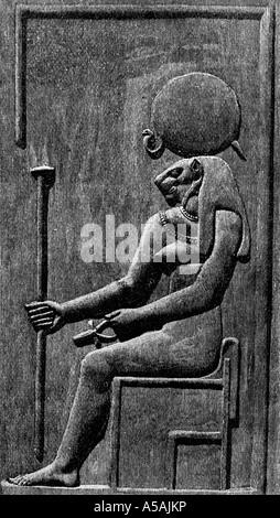 Incisione di bassorilievo della regina Isis Foto Stock