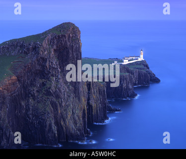 GB - Scozia: Neist Point Lighthouse sull'Isola di Skye Foto Stock