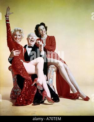 Colleghi preferiscono bionde 1953 TCF film con da sinistra Marilyn Monroe Charles Coburn e Jane Russell Foto Stock