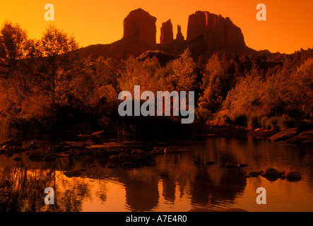 Cattedrale Rock, Oak Creek Canyon, Permiano rock, roccia sedimentaria, formazione di roccia, Hiking trail, Red Rock Foto Stock