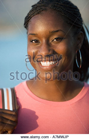 Ragazza adolescente 17 19 sorridente close up ritratto Foto Stock