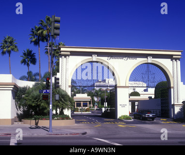 Cancello di ingresso Paramount Pictures Melrose Avenue HOLLYWOOD Los Angeles California USA Foto Stock