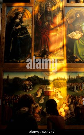 Dipinti iin la Cattedrale di St Bavon del XII secolo Gent Belgio Fiandre Foto Stock