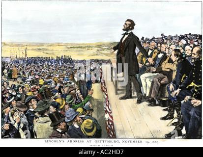 Il presidente Abraham Lincoln fornendo l'indirizzo di Gettysburg commemora la battlefield 1863. Colorate a mano Foto Stock