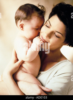 Mamma bambino pelle Foto Stock