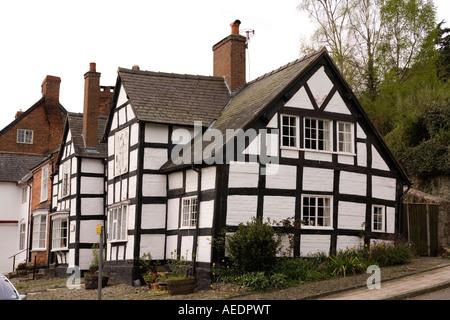 Regno Unito Galles Powys Montgomery Arthur Street Old pennacchio di Feather Inn struttura di legno house Foto Stock