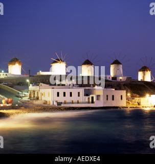 Mulini a vento di Mykonos Mykonos Isole Greche Grecia Hellas Foto Stock
