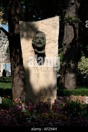 La scultura dedicata a Vincent Van Gogh. Ad Arles. Bouches du Rhône. Provenza. Francia Foto Stock