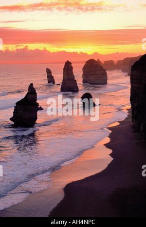 I dodici apostoli, il parco nazionale di Port Campbell, Victoria, Australia Foto Stock