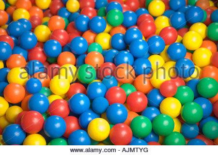 Close-up di una piscina di palline Foto Stock