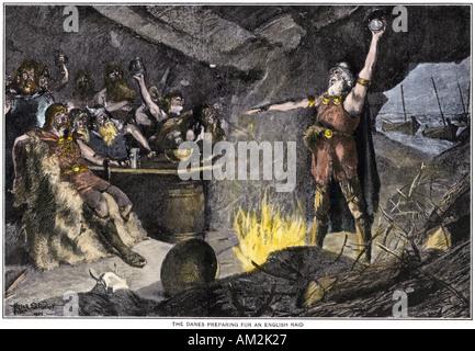 Vichinghi danesi preparando per un raid sulla costa britannica. Colorate a mano di mezzitoni una illustrazione Foto Stock