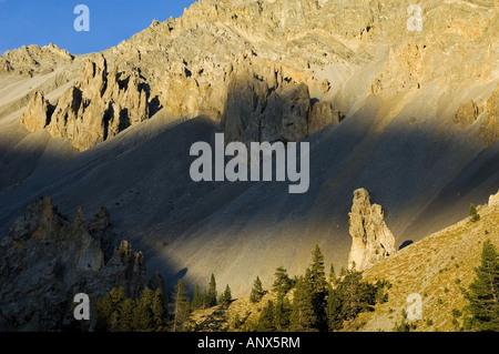 Strano rock in Queyras parco naturale chiamato Casse Dserte vicino Brianon, Francia, Alpi Foto Stock