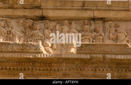 Nicchie presso il sito romano di Leptis Magna Libia Foto Stock