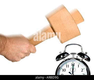 Concetto di immagine per spegnere la sveglia al mattino Foto Stock