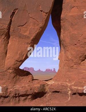 Lacrima Arch, il parco tribale Navajo Monument Valley, Arizona, USA, America del Nord Foto Stock