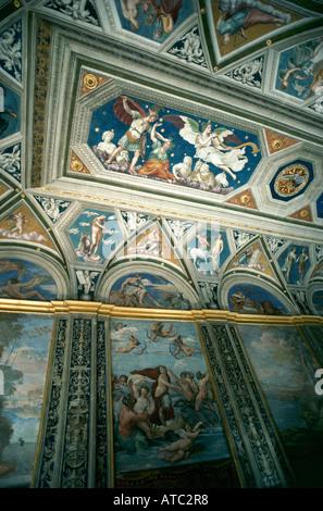 Dettaglio da Raffaello s Loggia di Amore e Psiche nella piccola rinascimentale Villa Farnesina i dodici affreschi Foto Stock