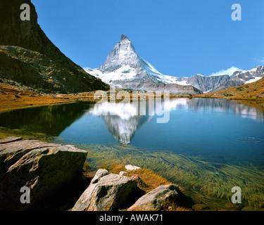 CH VALLESE Matterhorn con Riffelsee Foto Stock