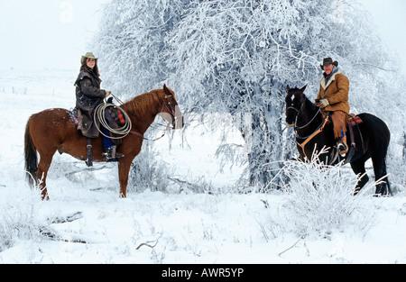 Cowboy e cowgirl misurazione da cavalli, Canada