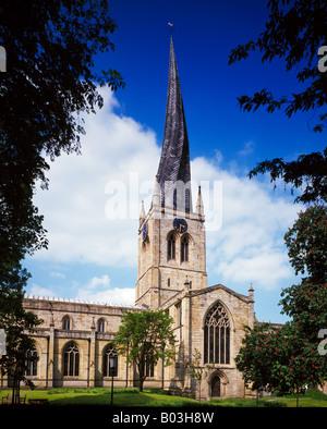 Santa Maria e Chiesa di Tutti i Santi Chesterfield Derbyshire England Regno Unito Foto Stock