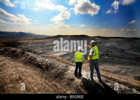 Aprire il taglio della miniera di carbone nella Hunter Valley NSW Australia Foto Stock
