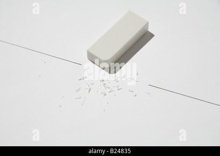 Eraser e trucioli Foto Stock