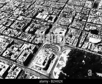 Geografia / viaggio, Messico, Città del Messico, viste della città / città, vista da Torre Latinoamericana con Palazzo delle Belle Arti, veduta aerea, circa 1940, Foto Stock