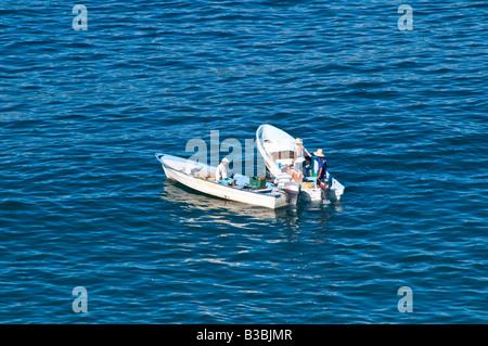 ZIHUATANEJO, Messico - piccole barche da pesca nella baia di Zihuatanejo, Messico Foto Stock