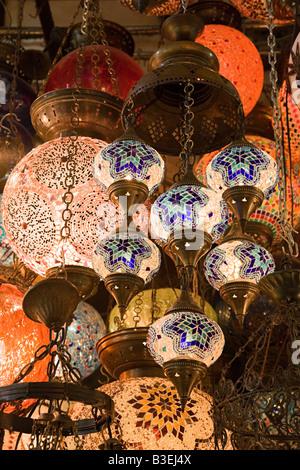 Lampade in Istanbul grand bazaar Foto Stock