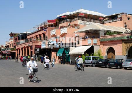 """Caffè in piazza Djemma El Fna, """"impostore Square' o 'Square dell'Impiccato', Marrekesh, Marocco, Africa Foto Stock"""