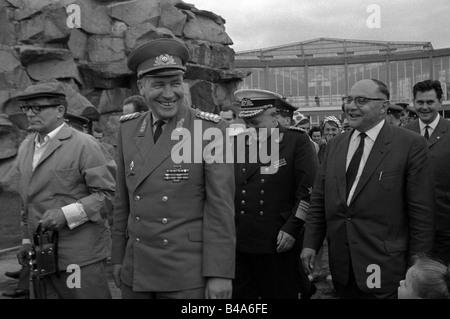 Hoffmann, Heinz, 20.11.1910 - 2.12.1985, tedesco generale, Ministro della difesa nazionale della Repubblica Democratica Foto Stock