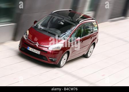 Citroen C4 Piapprox.so 135 HDi, esclusivo modello anno 2006-, di colore rubino, guida, diagonale dalla parte anteriore/oben, Foto Stock