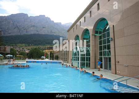 Bagni Termali Svizzera : Bagni termali di leukerbad vallese svizzera europa foto immagine