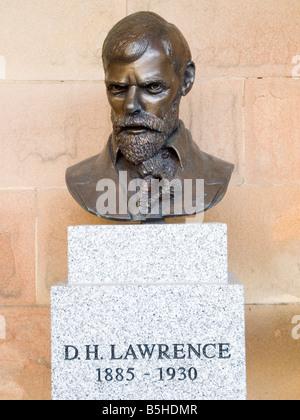 Busto in bronzo di DH Lawrence (1885-1930) al castello di NOTTINGHAM, NOTTINGHAMSHIRE REGNO UNITO Inghilterra