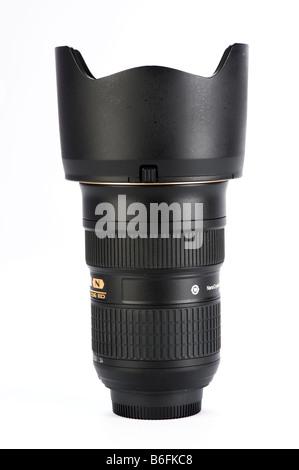 Si tratta di un 24 70 mm obiettivo zoom di qualità premium per una fotocamera reflex digitale Foto Stock