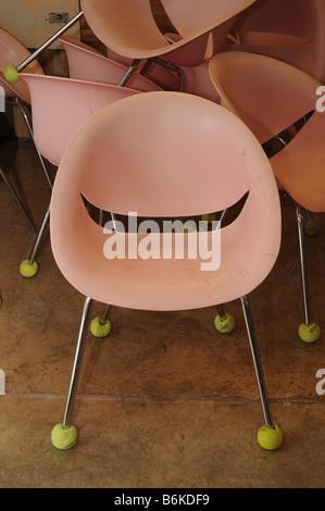 Sedie In Plastica Riciclata.Israele Hiriya Il Museo Di Riciclaggio Plastica Riciclata