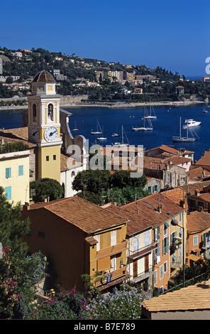 Vista su Villefranche-sur-Mer, Côte-d'Azur, in Francia Foto Stock