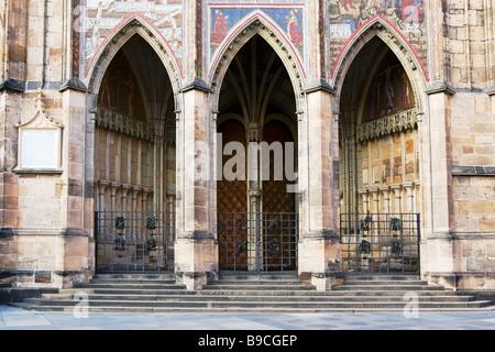Golden Gate per la cattedrale di San Vito del castello di Praga, Repubblica Ceca. Foto Stock