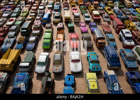 Giocattoli auto in coda in un ingorgo Foto Stock
