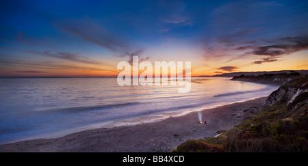 Coppia sulla spiaggia da fuoco, Elwood Mesa Gaviota Costa Goleta in California